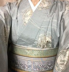 着物も帯も薄い色で爽やかに