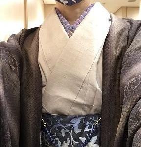 ベージュ紬、恋帯、焦げ茶羽織、羽織紐はラピスラズリ、茶色と青色もいいもんだ♪
