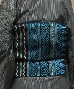 黒灰縞単衣着物に黒青シルバーの名古屋帯