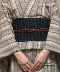 ベージュ茶水色縞会津木綿着物に濃紺帯