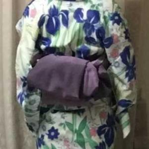 お花イロイロの可憐な浴衣に紫グラデーション兵児帯