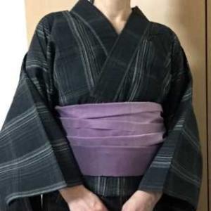 黒格子綿麻しじら浴衣に紫グラデーション兵児帯
