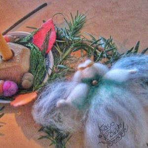 羊毛で天使をつくる 幼稚園保育園のバザーにいかが?クリスマスのオーナメントにも