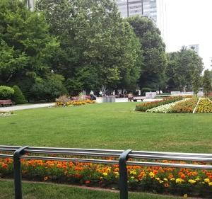寂しい大通公園☆短い夏休みは美味しいものを食べて過ごそうかと計画中♪