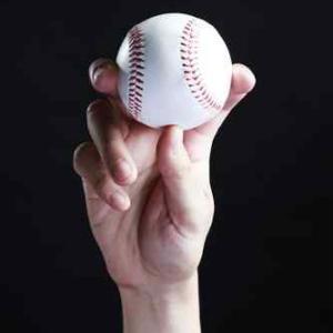 オスグッドで悩まされていたキャッチャーの野球少年。