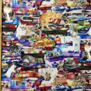 猫好きのソーイングファンの作業室柄の布