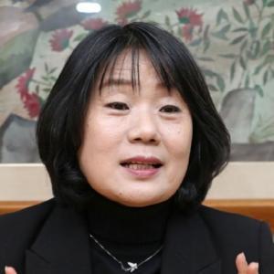 慰安婦ハルモニを食い物にしたとされる韓国現職与党議員윤미향(尹美香[ユン・ミヒャン])の若いころ♪