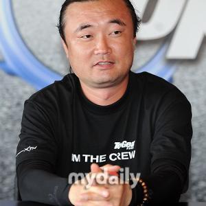 [超高画質]韓国MV界の第一世代トップランナー♪洪[ホン]監督自身がUPした作品はコチラです ~J.Y. Park編~