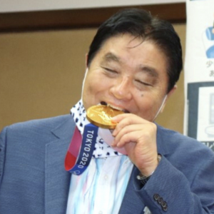 YouTubeの検索窓に「나고야시장(名古屋市長)」と入れたら出てきたTOPはコチラです♪