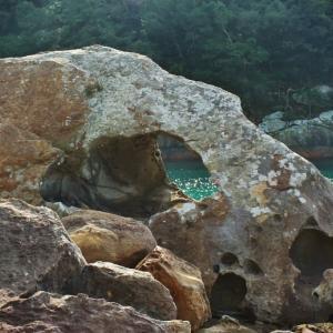 四国四県と岡山県のマイナー海食洞門