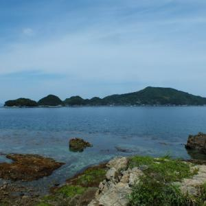 八幡浜大島最高峰・三能山と貝付小島エンジェルロード
