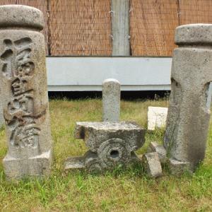 坂本龍馬が渡った福島橋の欄干と常夜燈(丸亀市)