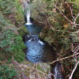 七つの淵が連続する七淵渓谷・釜ヶ滝(越知町)