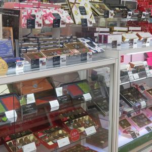 店内にチョコレートがいっぱいです!!!