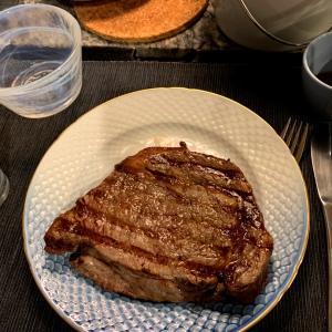 肉、肉をくれ
