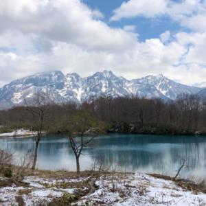 残雪の戸倉山(糸魚川市)
