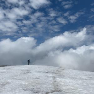 5月、残雪の守門(二口コース)