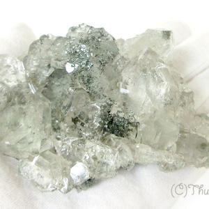水晶クラスター(クローライト付き)、スティブナイト入り水晶、を発送しました
