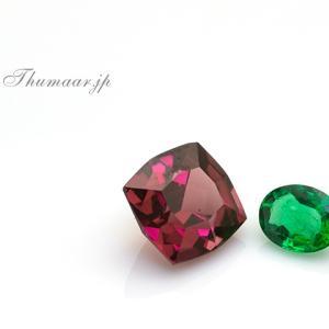 スターペンダントの宝石たち