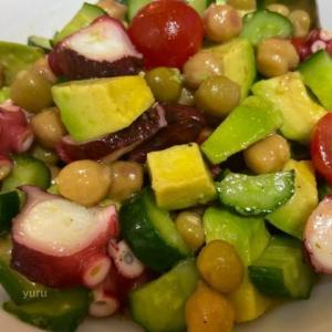 簡単でヘルシーな「たこと豆のサラダ」