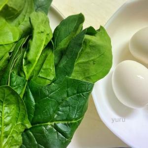 簡単レシピ「ほうれんそうと卵のグラタン」とイチゴの日のデザート