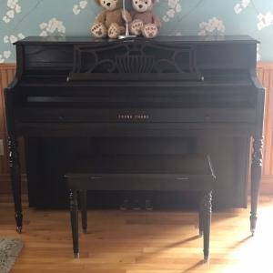新しいピアノと古いピアノ