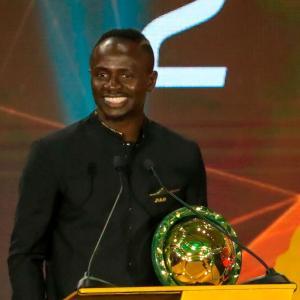 マネがアフリカ年間最優秀選手賞を受賞