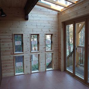 我が家のデッキ改修工事がほぼ終わり、サンルームがこんな形に!