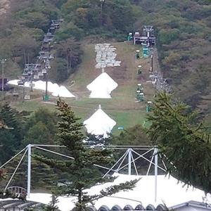 軽井沢プリンスホテルスキー場、本格的な造雪作業が始まったようです