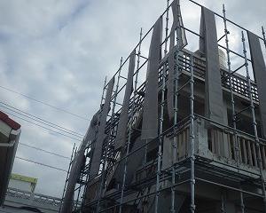 宜野湾市でばくれつ補修工事がはじまります