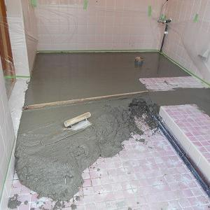 宜野湾市でトイレ床のシート張り