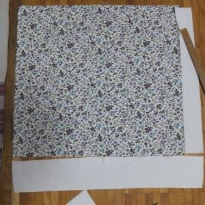 ニット+布帛の座布団カバー。縫う順番間違えた。