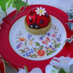 ヴィタメールのケーキ テントウムシが可愛い~