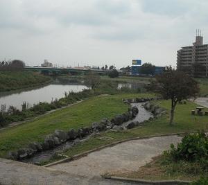 有玉西町の、水辺の公園