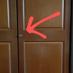 扉のノブが壊れそう