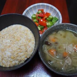 食物繊維かなりたっぷりのはず・根菜ときのこの味噌汁