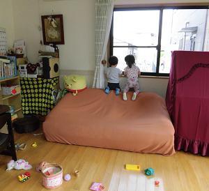 家庭的保育、小規模保育、子育て支援センター、エンゼルスポットを視察