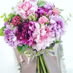 スカビオサの造花クラッチブーケ