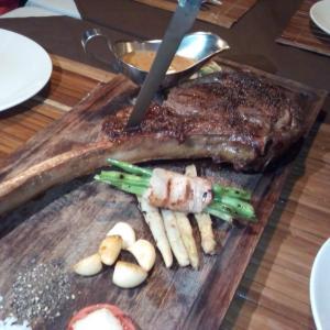 フィリピン プエルトガレラ タマリンドでお肉お肉!