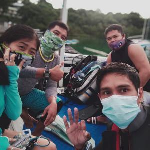 フィリピンプエルトガレラ 水中掃除と机来た報告!組み立て動画あり〼