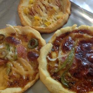 フィリピンプエルトガレラ オカラで美味しいピザパン♡