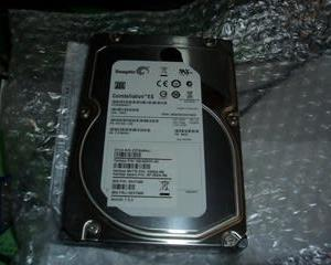 業務用HDD。(Seagate Constellation ES ST2000NM0011)