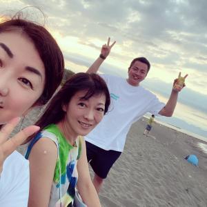 湘南のビーチも夕方は涼しいね