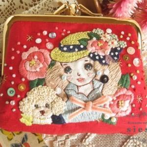 乙女刺繍絵のがま口ミニ財布