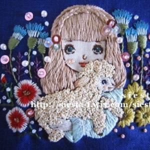 乙女刺繍絵のがま口ミニ財布制作中