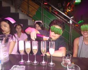 ウメちゃん今年も来たよ!シャンパン開けてみんなで乾杯&タウンの夜遊びご案内です。