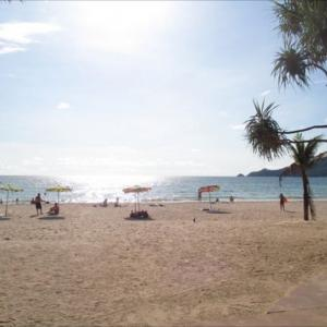 プーケット穴場のビーチご紹介!パトンビーチでローカル女の子も屋台も出ているエリアを紹介します。