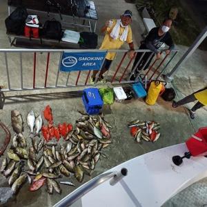 プーケットで釣りバンコクから来たお客さんと大漁です。