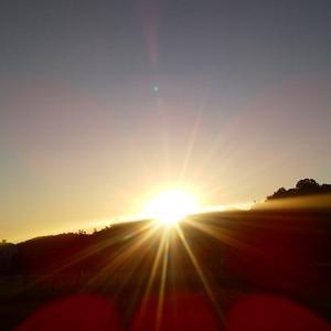 眩しい日の出