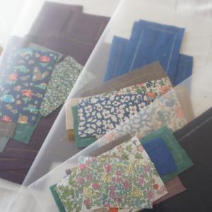 ショップ用ブックカバーと自分家用タオルを作ります。